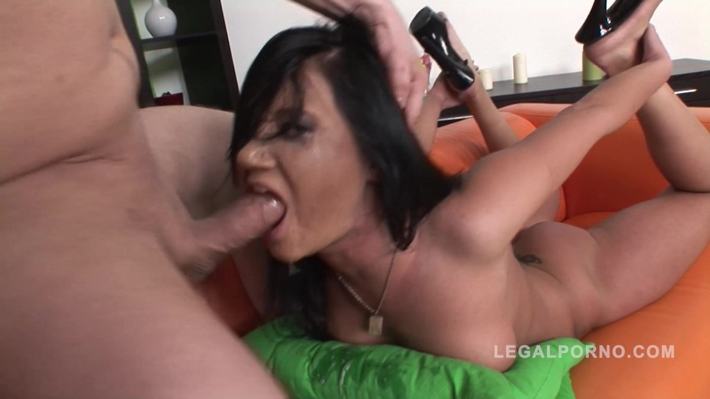 Oxana mouth fucked hard NR326